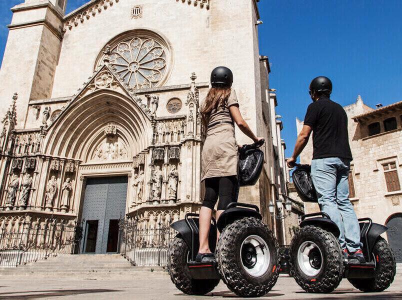Vilafranca en Segway: Ruta capital del vi (1h)