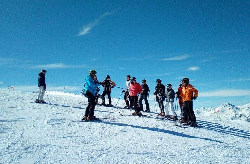 Guided mountain skiing excursion in Tavascan
