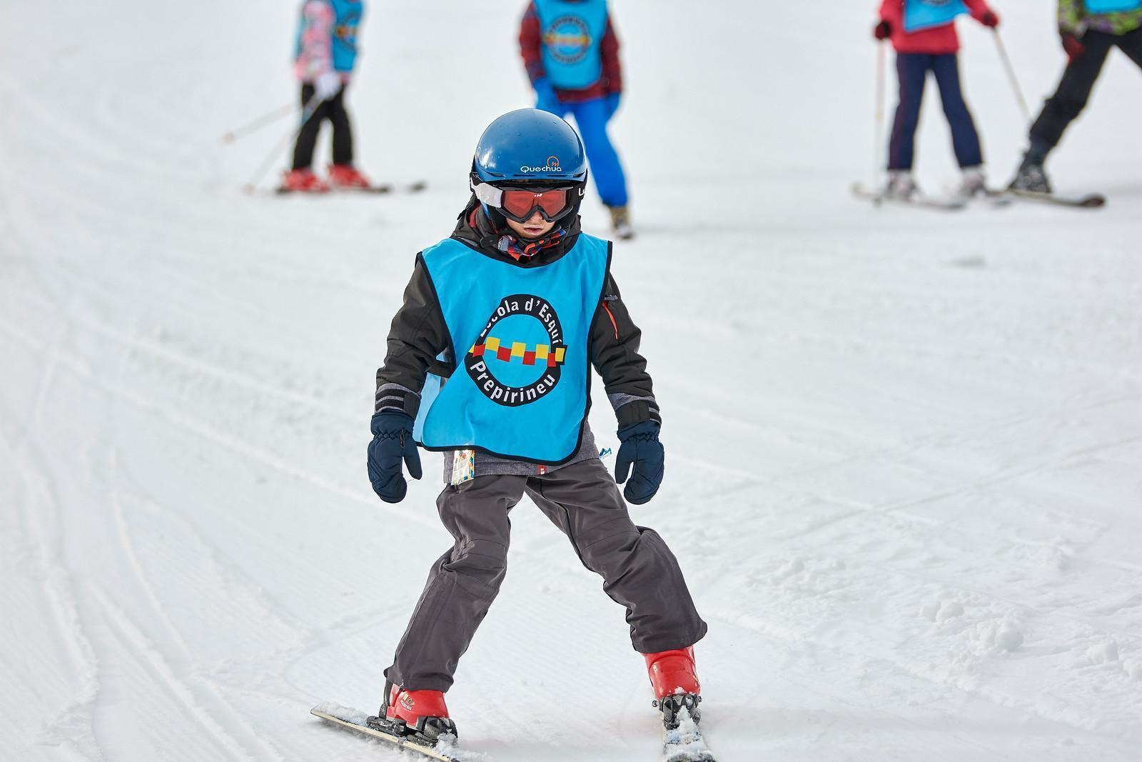 Initiation ski class (between 4 and 6 years old) in Tavscan