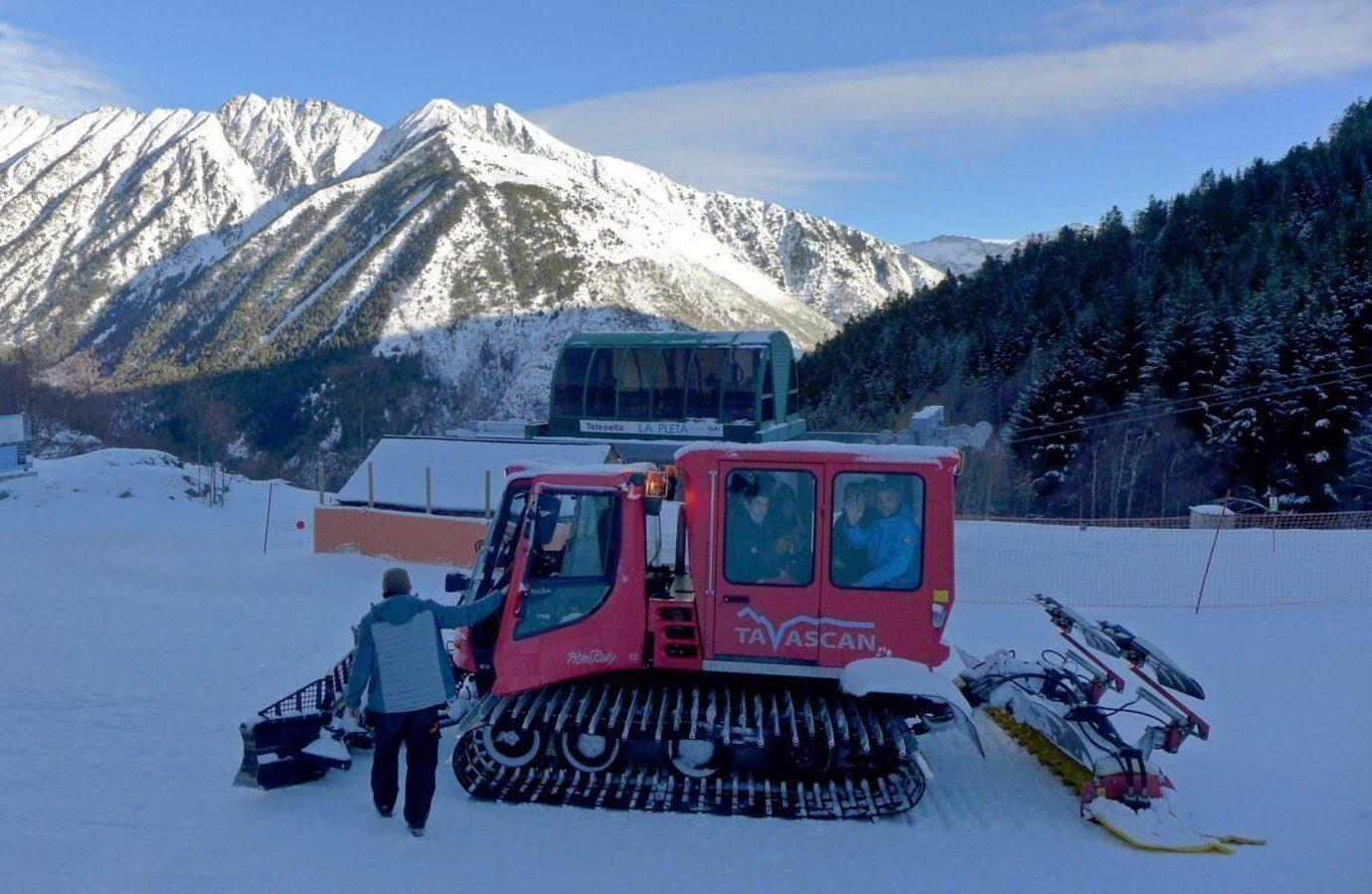 Visite guidée en snowretrac à Tavascan