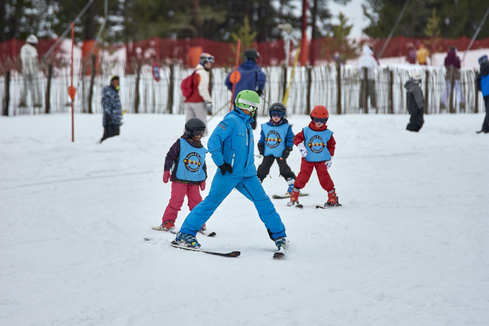 Curset d'esquí 5 dissabtes/diumenges a Port del Comte